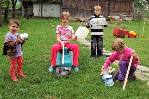 ROKI 04 activiteiten met de kinderen van Kerub